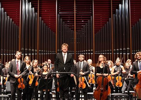 Sinfoniekonzerte Freitag, 31.3.2017,Samstag, 1.4.2017, 19.30 Uhr, Grassistraße 8, Großer Saal