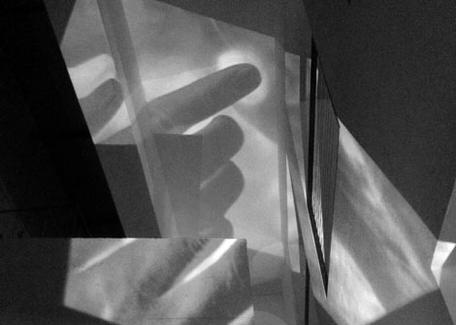Symposium Gesten gestalten – Spielräume zwischen Sichtbarkeit und Hörbarkeit Donnerstag, 14.1.2016, 9-18 UhrFreitag, 15.1.2016, 9-18 UhrSamstag, 16.1.2016, 9-18 UhrDittrichring 21, Musiksalon, Raum 1.04
