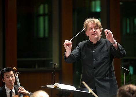 Sinfoniekonzert Freitag, 20.1.2017, 19.30 Uhr, Grassistraße 8, Großer Saal Samstag, 21.1.2017, 19.30 Uhr, Grassistraße 8, Großer Saal