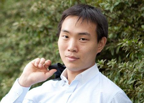 HMT-Student Stanislav Khegai 2. Preis beim Europäischen Klavierwettbewerb Bremen