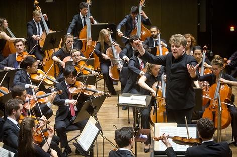 HSO-Konzert Mo, 4.11.2019, 20.00 Uhr,Gewandhaus, Großer SaalDi, 5.11.2019, 19.30 Uhr, Grassistraße 8, Großer Saal