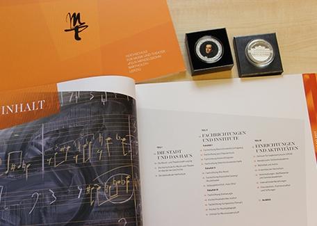 Neuheiten Imagebroschüre und Medaille
